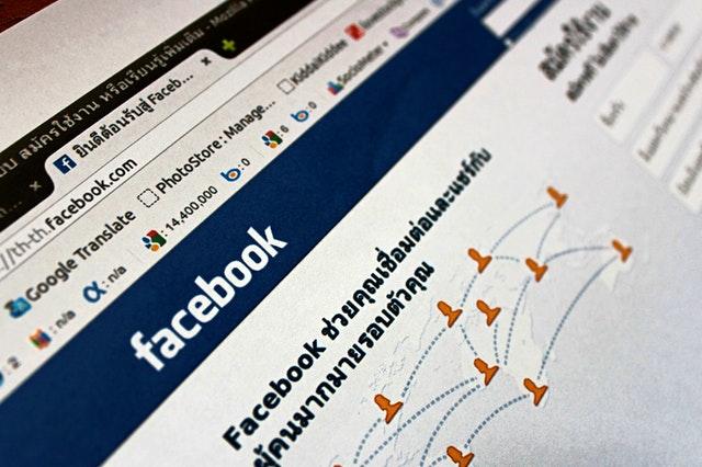 jak sprawdzić czyjś email na facebooku