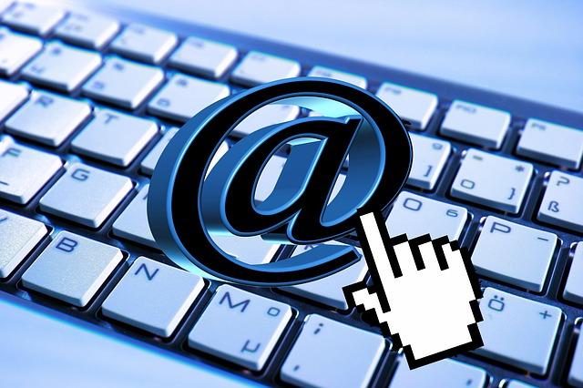 jak utworzyć email