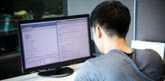Outsourcingowe firmy informatyczne coraz popularniejsze na rynku